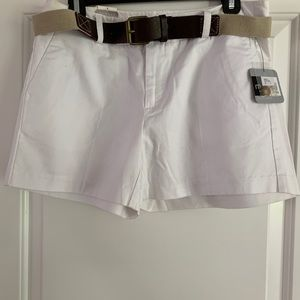 White shorts with belt
